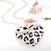 New brand2013 SALE! Joker Trend Classic Leopard grain Peach heart Long The necklace Sweater chain Free shipping