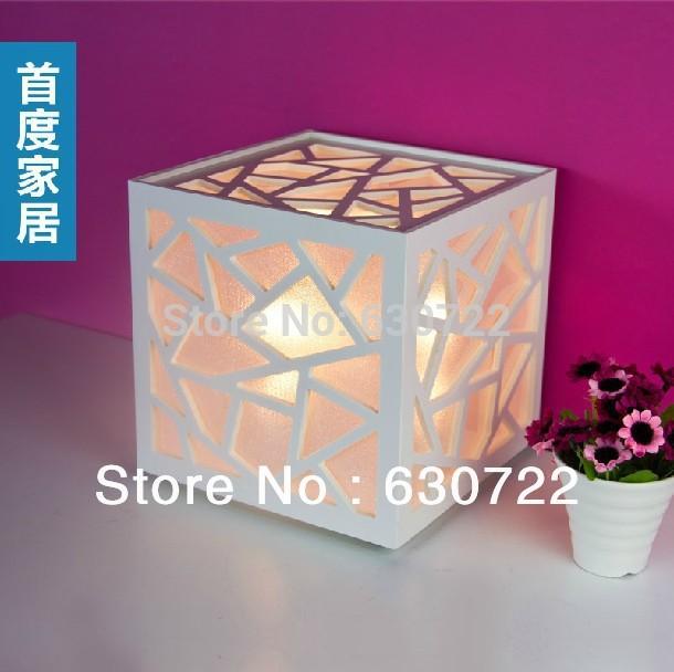 Creative bedside lamp Cartoon small white table lamp 20*20*20cm(China (Mainland))