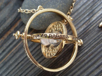 1PCS Vintage Style The Harry Potter Time Turner Necklace The Golden Snitch Jewelry Popular Antique Gift Free Shipping