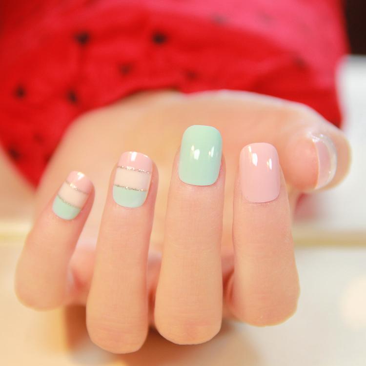 Фото дизайна на коротких квадратных ногтях