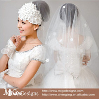 Fashion White Flower Bridal Wedding Veil With Crystal