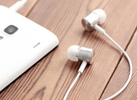 xiaomi piston 2 Original XiaoMi white new wired earphone xiaomi 3 xiaomi2s xiaomi1 Red rice New Edition Free shipping
