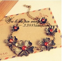 Sakura's Store B3255 fashion red vintage flower beautiful bracelet