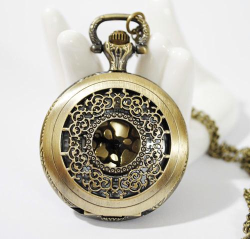 Fashion vintage necklace bronze color Medium gold pocket watch necklace pocket watch(China (Mainland))