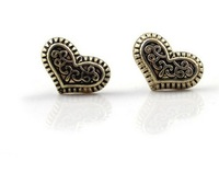 Min. order $15 (mix order) Free Shipping Fashion Women Wind Brand Retro Peach Heart Shape Carved Mahogany Earrings E135