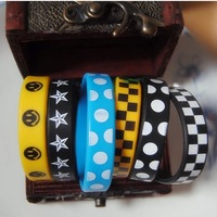 Wholesale 20pcs/lot Four Seasons All-match Male Women Hiphop Punk Personality Rubber Silicone Wristband Fashion Bracelet