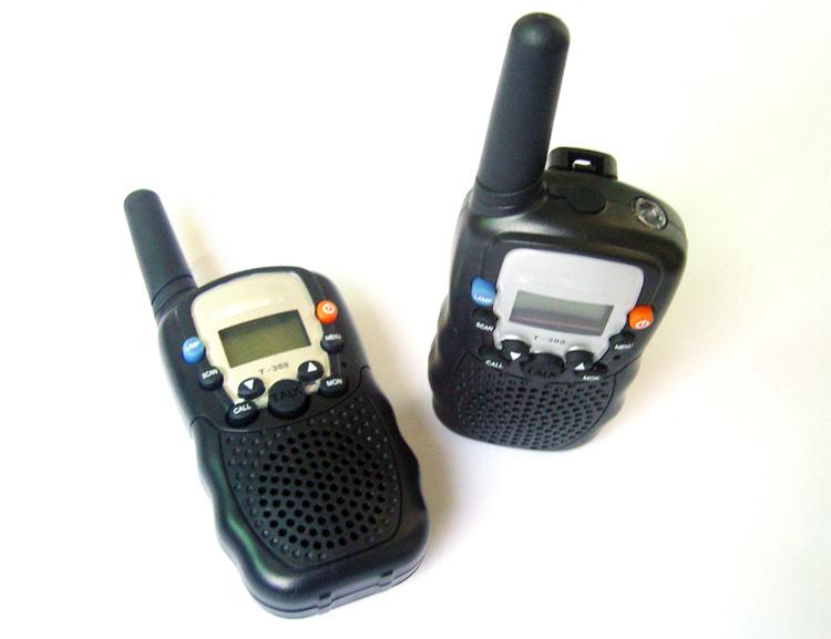 Brand new 2 /0.5W Walkie Talkie /388 Interphone T388 A0762A T-388 2pcs mini walkie talkie uhf interphone transceiver for kids use two way portable radio handled intercom free shipping