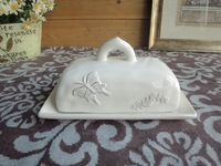 Ceramic embossed butterfly insulation box butter plate butter plate lid bread plate snack tray sushi plate