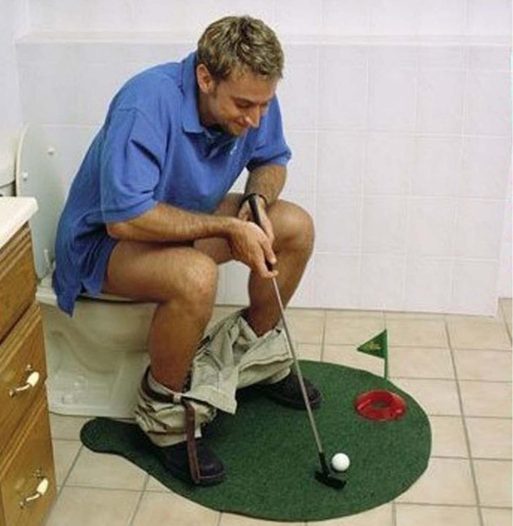 COOL!!Toilet & Bathroom Mini Golf Mat Set_ Game Potty Putter!HOT SALE(China (Mainland))