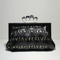 Fashion normic finger ring rhinestone skull decoration day clutch