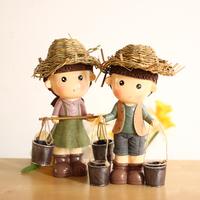 Home Decoration Resin Dolls. Festival Gift Happy Farm. Originality Desktop Crafts Piggy Bank. Handmade Straw Hat  ID A0210161