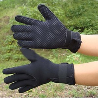 Free Shipping 3MM-slip diving winter swimming Warm snorkeling SCR gloves Black