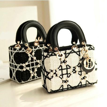 New 2015 Autumn and Winter Fashion Brand classic pearl handbag black and white woolen shoulder bag women messenger bag fringe(China (Mainland))