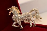2014 Sparkling Rhinestone Horse Brooch Women White Crystal Horse Animal Brooch Pin Corsage Gift Jewelry XZ1425