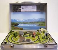 Alloy electric remote control train model exquisite suitcase set model