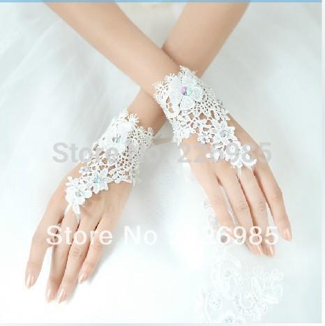 New Arrival Fresh Sparkling Rhinestones Lace white short Fingerless bridal wedding gloves(China (Mainland))