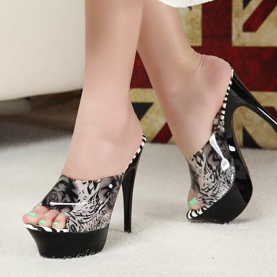 http://i00.i.aliimg.com/wsphoto/v0/1651208972_1/14-cm-roses-sandals-European-and-American-font-b-fashion-b-font-font-b-style-b.jpg