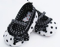 white black spot cotton baby first walker,soft anti-slip new born shoes,3pairs/lot