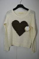 Sweater heart design short sweater