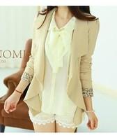 A women's elegant scalloped long-sleeve slim suit jacket