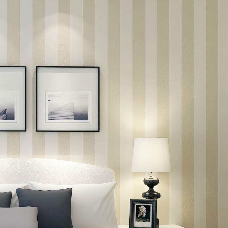Tapete Beige Wei? Gestreift : Beige and White Striped Bedroom
