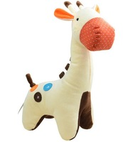 Candice guo! cute spots giraffe baby hug doll plush toy placate toy rattle ring bell baby toy 1pc