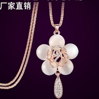 Fashion accessories white shell opal charm rose flower sweater necklace collar collier Halskette Schmuck joyas