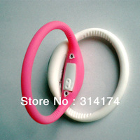 2014 fashion silicone watch hot sell in china