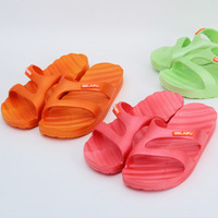 Summer slippers female summer slip-resistant bathroom slippers at home slippers lovers slippers male slippers