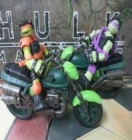 Genuine Playmates Playmates TMNT movie version can be moving even Teenage Mutant Ninja Turtles + motorcycle model