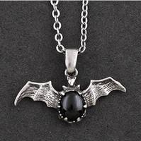 Hip hop style steampunk gothic vintage  desmodus shape necklace F0271