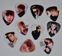 Lots of 100Pcs Justin Bieber 2 sides printing Guitar Picks Medium
