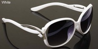 Free shipping(2pcs/lot)F41 For women retro plastic(pc matterial) frame sunglasses/frog mirror with metal accessories