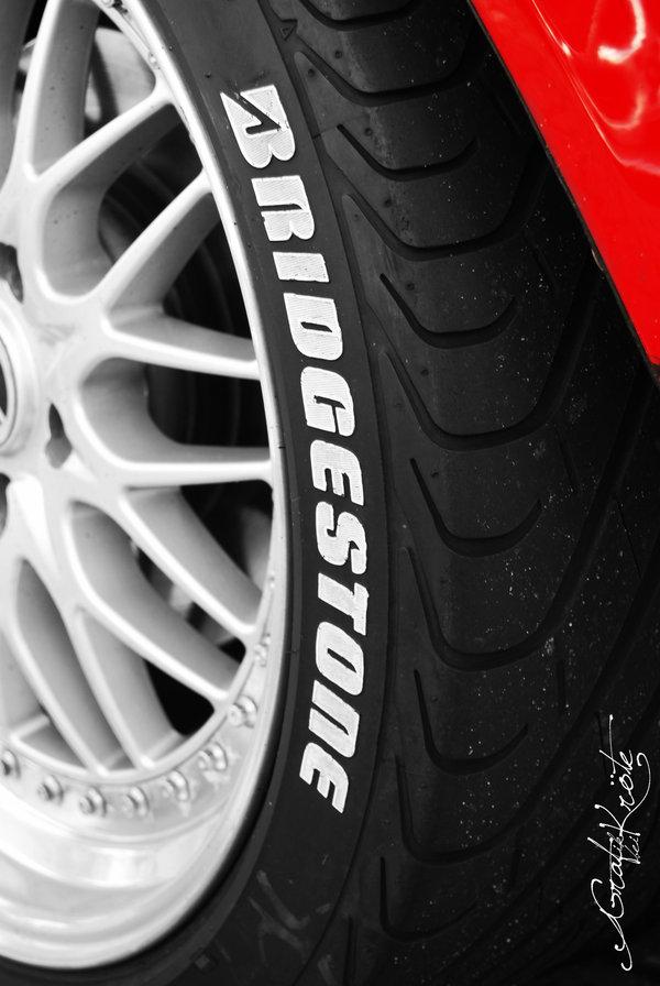Toyo tyre line pen 100.4m quick dry paint tyre pen metalloscopy pen tire(China (Mainland))