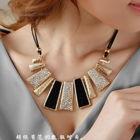 Fashion personalized necklace geometry squares chain fashion vintage accessories female short design