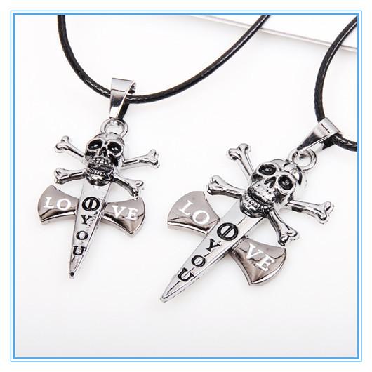 2014 Current Punk Skull Necklace Pirate Skull Sword Pendants Jewlery Costume Jewellery Men Pirates of the
