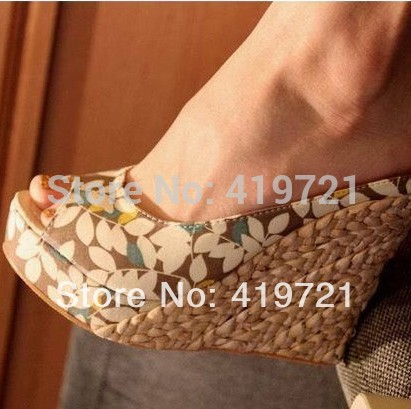2015 explosion in Bohemia tidal straw platform new style wedge heel sandals lady's fashion sexy party shoes round peep open toe(China (Mainland))
