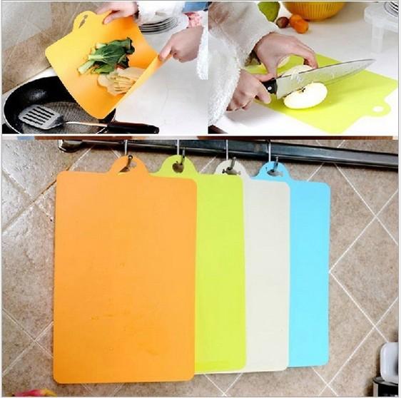 kitchen flexible antibiotic resistant soft chopping block /hang chopping board/24*34.9cm 072533(China (Mainland))