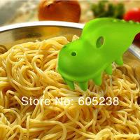 Free shipping 2 pieces Pastasaurus  Server / Dinosaur Pasta Spaghetti Serving Fork  (Pink / Green)