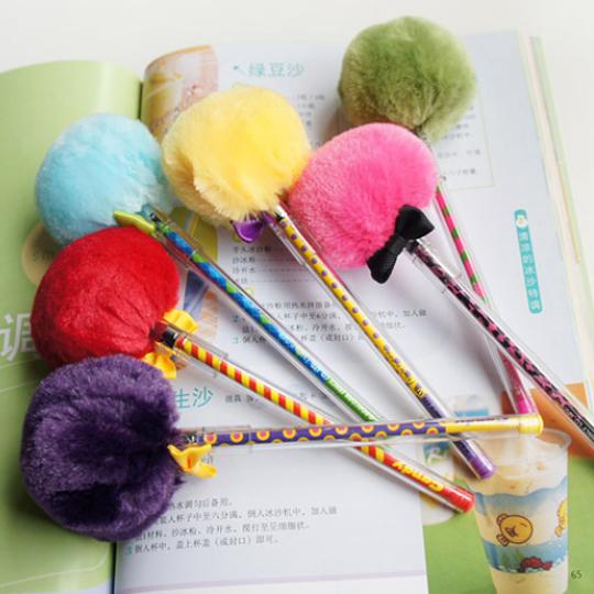[free shipping] Fresh hair ball pen unisex pen plush fluffy pen(China (Mainland))