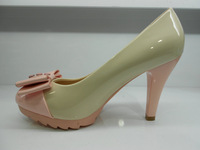 The new spring sexy high-heeled patent leather hit the color thin shoes