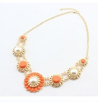 2014 New hot sale Fashion Vintage flowers pendant necklace jewelry for lady free shipping D4