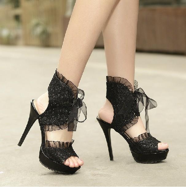Brilliant Women39s APT 9 RAMSEY Black Lace Fashion Peep Toe Pumps Bootie Dress