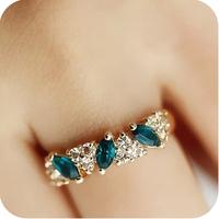 Retail  (mixed order) Od0260 emerald vintage ring sweet sparkling diamond ring female 3g