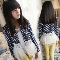 The new spring 2014 children dot lace round neck long-sleeved T-shirt Girls Korean  jacket free shipping