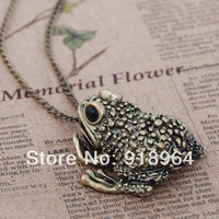 A213 Man Woman Vintage Fashion Jewelry Frog Toad Pendant Necklaces