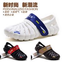 Breathable male slippers hole shoes Men sandals beach outdoor mules magic button parent-child shoes