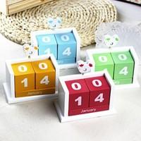 2014 Candy color wooden chicken design calendar with message folder  wood calendar 11.2*6.2*9.8cm free shipping