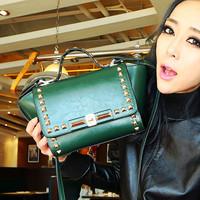Europe and the United packet bat bag influx of women messenger bag shoulder bag Messenger bag retro rivet handbag