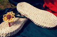 2014 New Summer Women's Eco-friendly Straw Corn Husks Handmade Flip Flops Sunflower Pure Rome Flower Flat Heel Green Slipper Hot